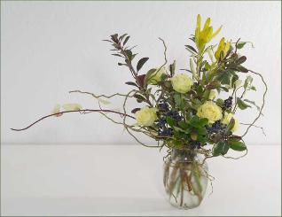 roses leucadendron curly willow bouquet marin